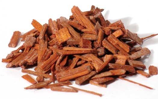santalové dřevo UNIQ Cosmetics